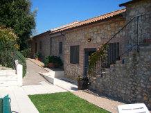 CASE CORDOVANI(Magliano in Toscana)