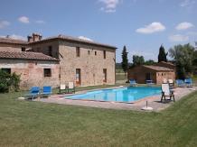 Agriturismo Toscana : PIAMPETRUCCI(Buonconvento)